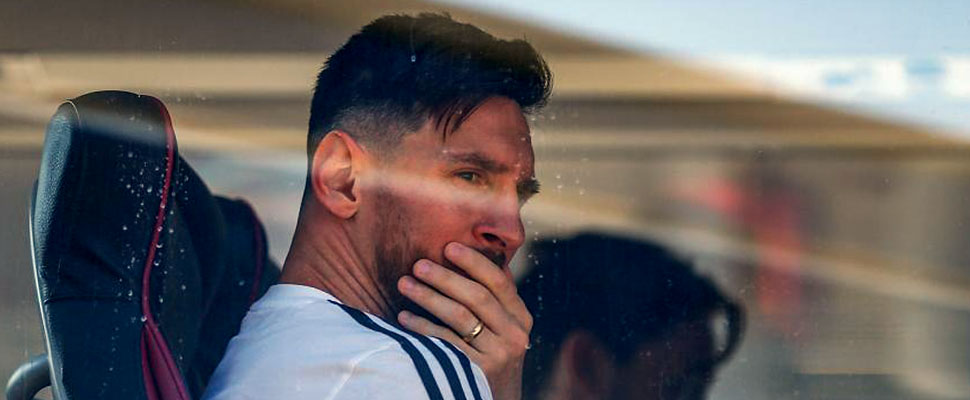 What are the reasons why Messi was threatened and the match with Israel canceled?