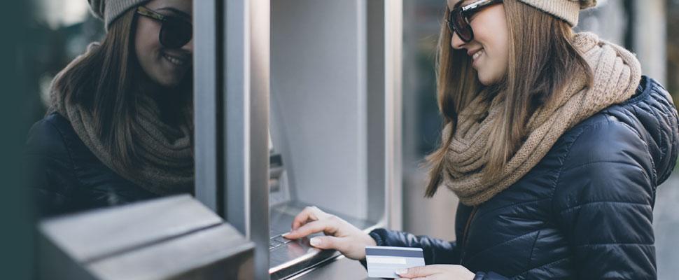 ¿Sirve de algo que las mujeres tengan más cuentas bancarias que los hombres?