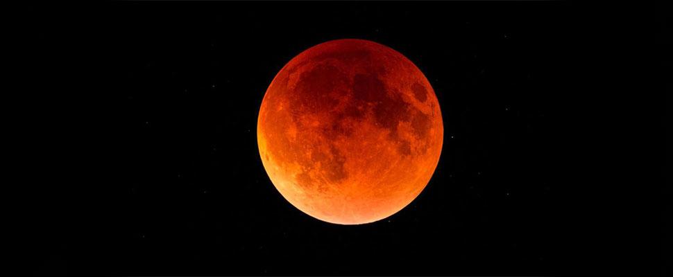 Todo lo que necesita saber del eclipse lunar más largo del Siglo XXI