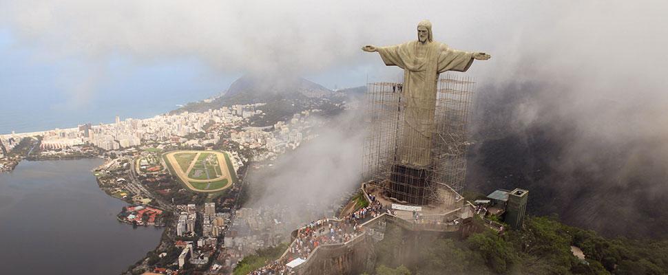 Un corazón palpita sobre el Cristo el Redentor: conozca esta iniciativa brasilera por la salud