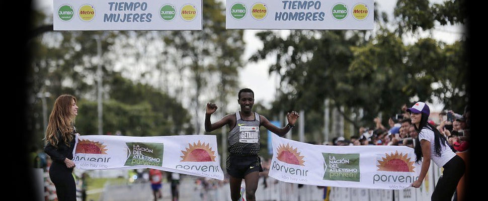 Latino runners competed against the Ethiopian power in Bogota's Half Marathon
