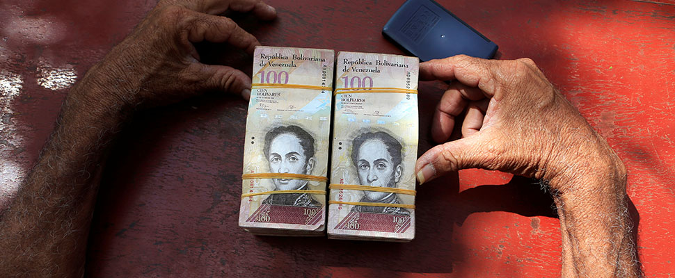 Venezuela: La posibilidad de comprar divisas es un rayo de luz para empresarios