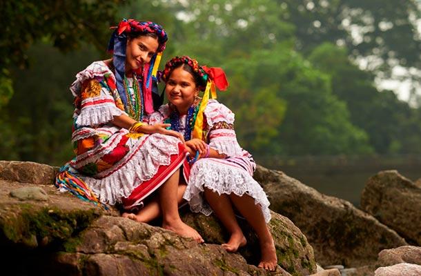 Tehuana women