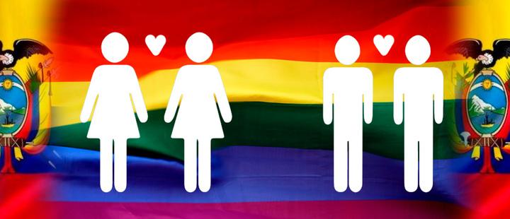 Silueta de dos mujeres y dos hombres simbolizando el matrimonio igualitario delante de la bandera LGBT y el escudo de Ecuador.