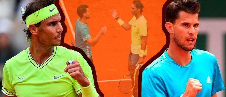Rafael Nadal y Dominic Thiem durante un juego en el Roland Garros