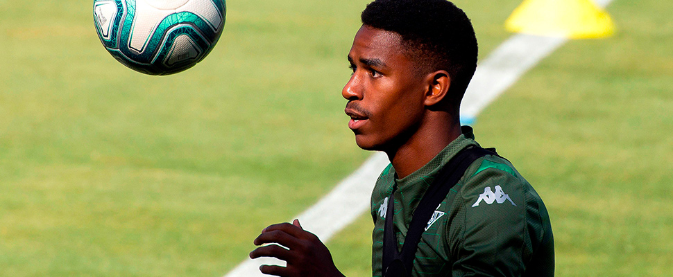 The left side of Betis, Junior Firpo during Real Betis training.